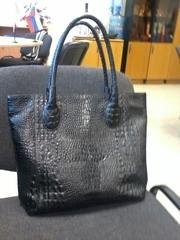 Продаю женскую сумку Mattioli черного цвета (натуральная кожа по типу крокодильей)